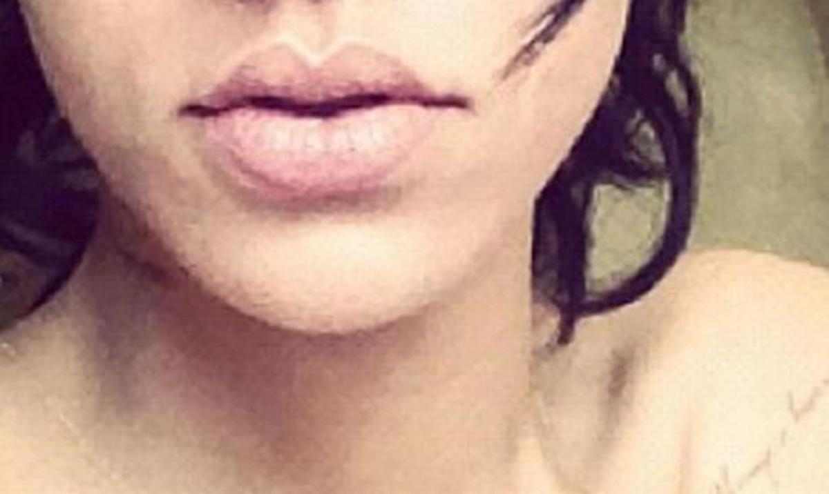 Ποια γνωστή τραγουδίστρια καπνίζει στο κρεβάτι μόλις ξυπνάει; | Newsit.gr