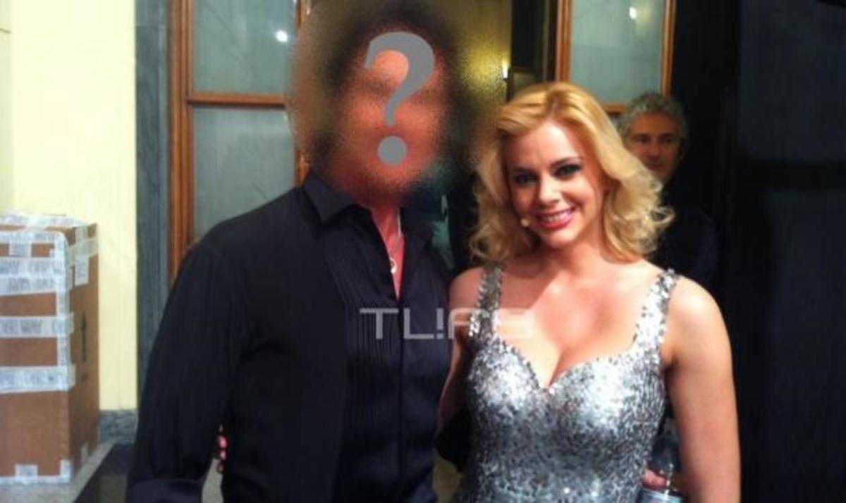 Με ποιον διάσημο πρωταγωνιστή πετυχημένης  τηλεοπτικής σειράς πόζαρε η Ρ. Αντωνίου; | Newsit.gr