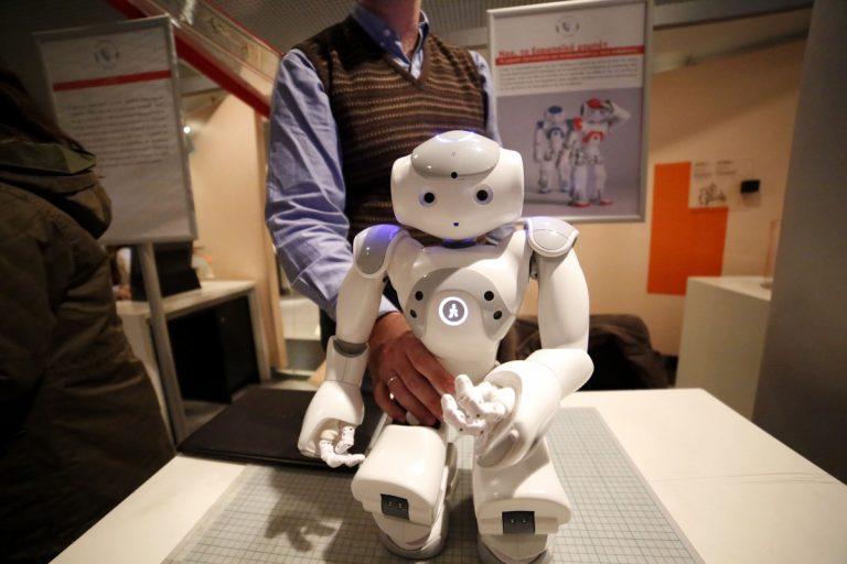 Το Ευρωκοινοβούλιο θεσπίζει νόμους για τα… ρομπότ! | Newsit.gr