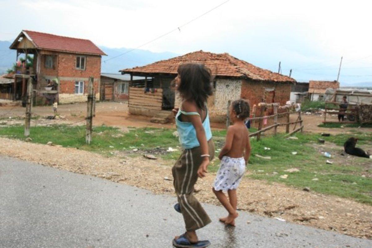 Γιατί οι γονείς δεν θέλουν Ρομά μαθητές σε δύο δημοτικά σχολεία του Χαλανδρίου | Newsit.gr