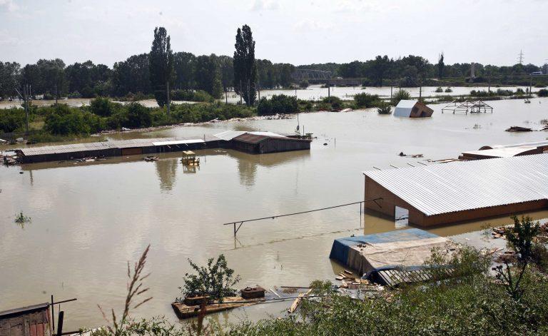 Στο έλεος των πλημμυρών η Ρουμανία | Newsit.gr