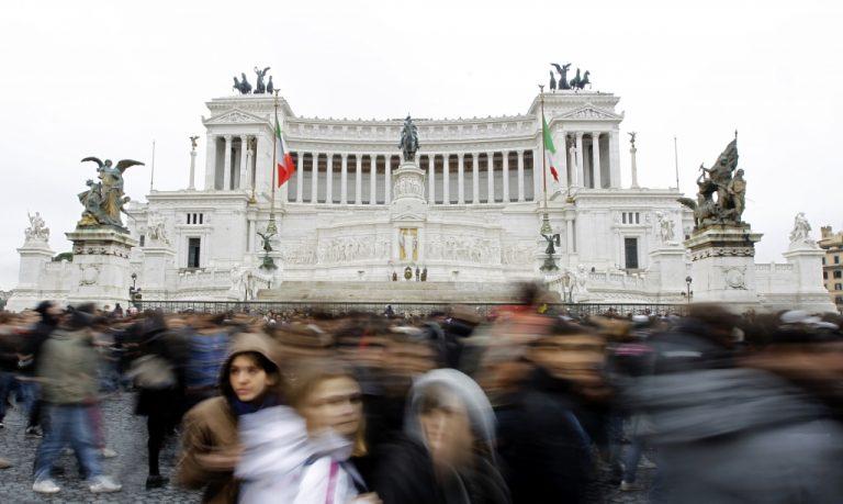 Λουκέτο στο ιταλικό κοινοβούλιο! | Newsit.gr