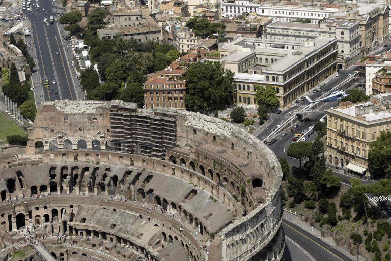 Παραλύει η Ιταλία λόγω απεργίας | Newsit.gr