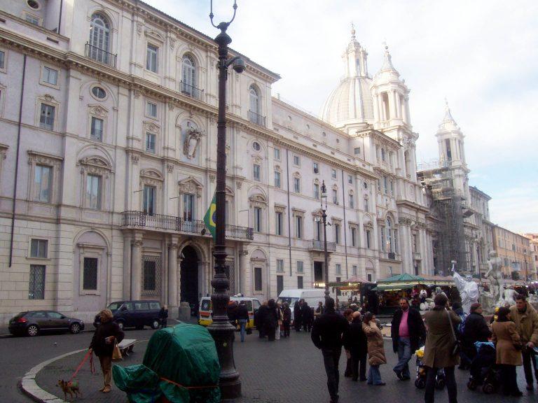 Μέγα σκάνδαλο με εμπλοκή γερουσιαστή στην Ιταλία | Newsit.gr