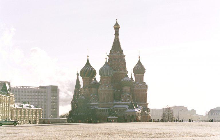 Ένας στους 12 εφήβους προσπαθεί να αυτοκτονήσει στη Ρωσία | Newsit.gr