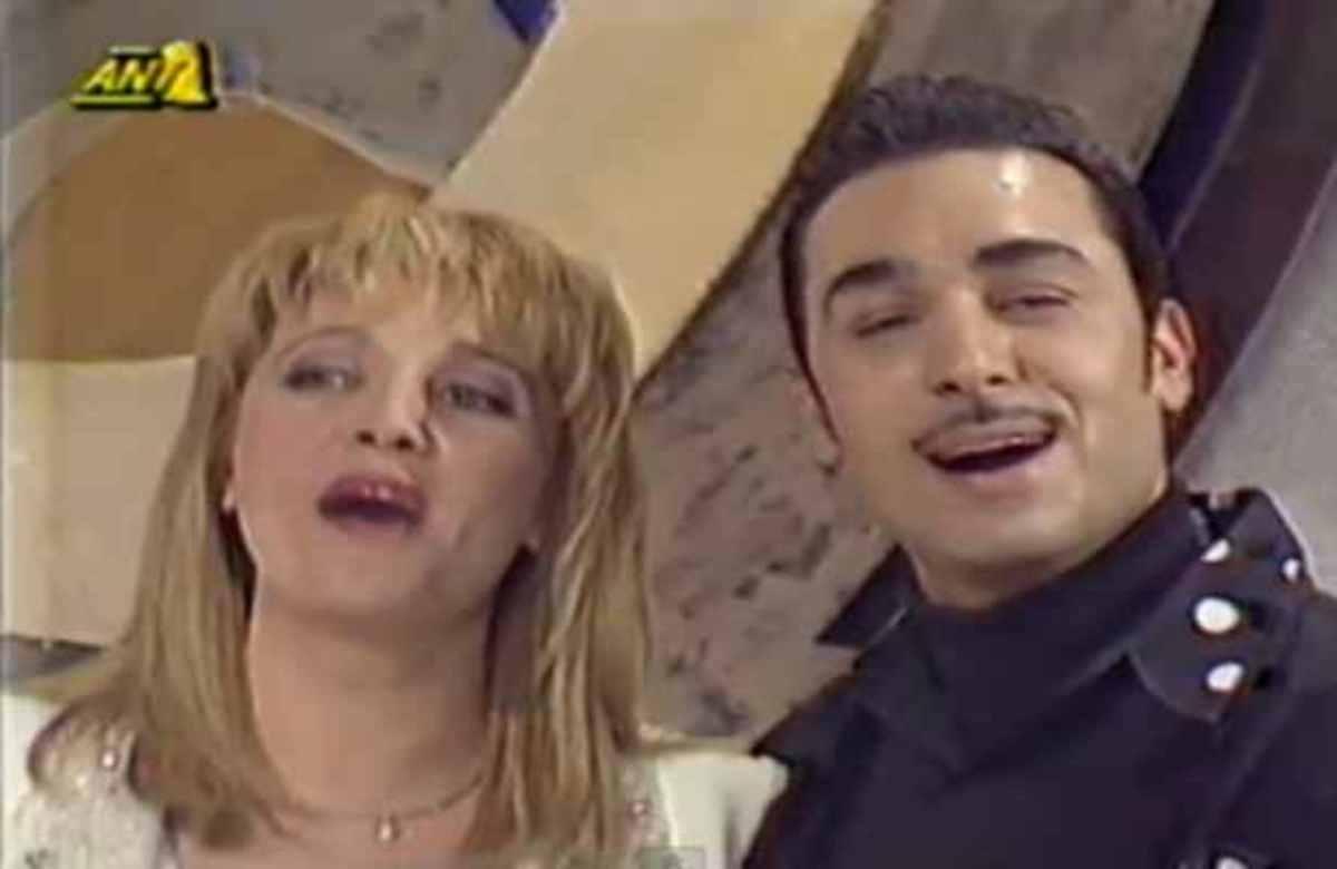 ΣΠΑΝΙΟ ΝΤΟΚΟΥΜΕΝΤΟ! Όταν ο Νότης Σφακιανάκης τραγουδούσε στον Πρωινό Καφέ μαζί με τη Ρούλα Κορομηλά | Newsit.gr