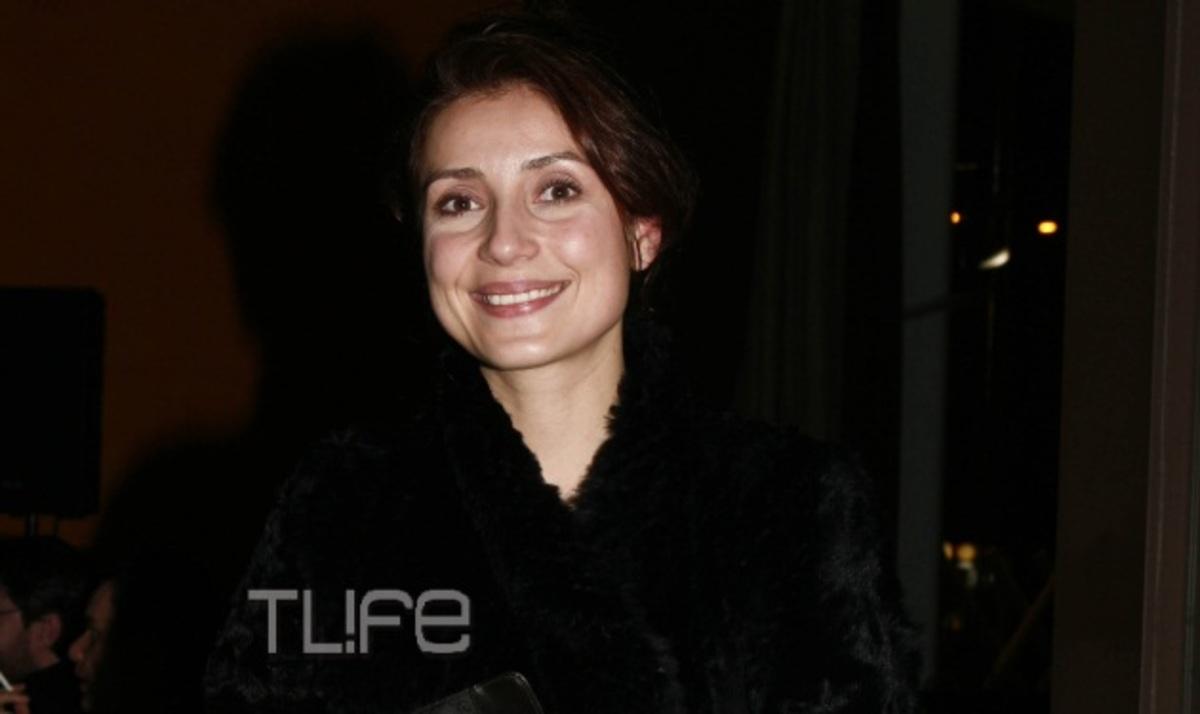 Ε. Ρουμελιώτη στο Μίλα: Το βαρύ πένθος, η στήριξη από το σύζυγό της και η θεατρική πρεμιέρα! | Newsit.gr