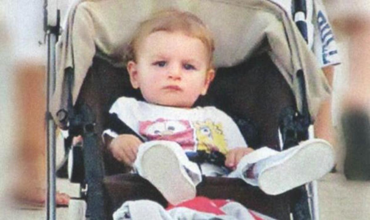 Σάκης Ρουβάς- Κάτια Ζυγούλη:  Βάφτισαν το γιο τους στο Ν. Βουτζά! | Newsit.gr
