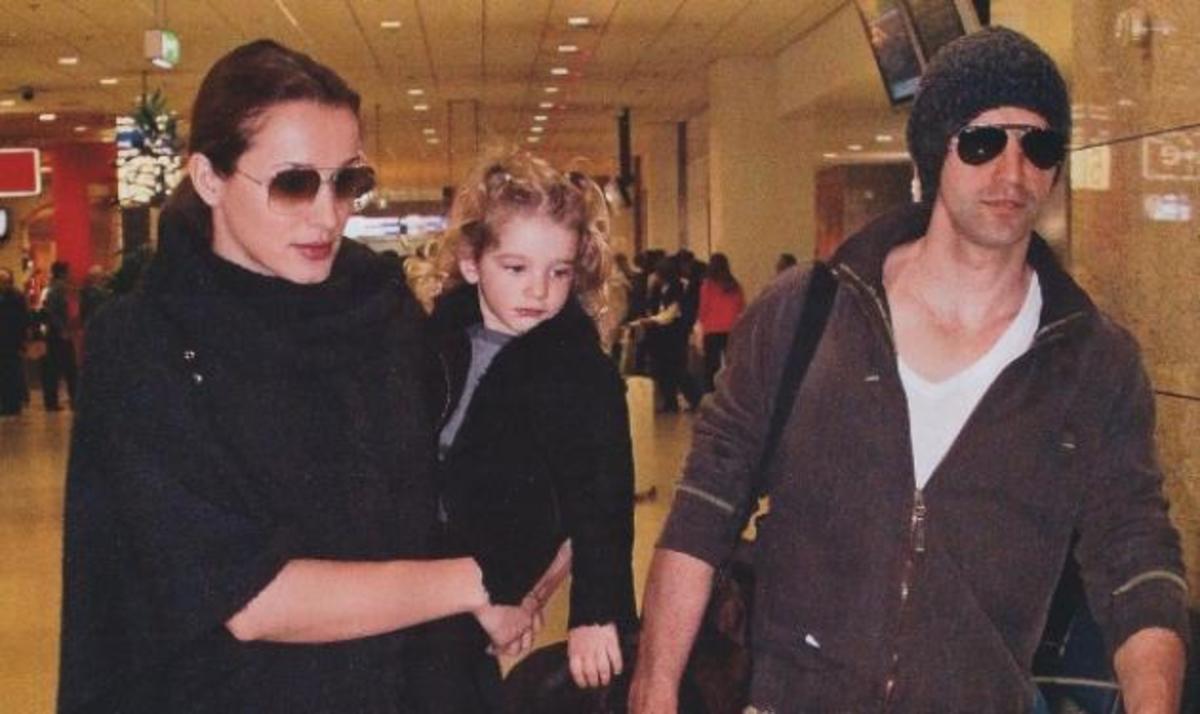 Η οικογένεια Ρουβά… τριήμερο στην Κέρκυρα! | Newsit.gr
