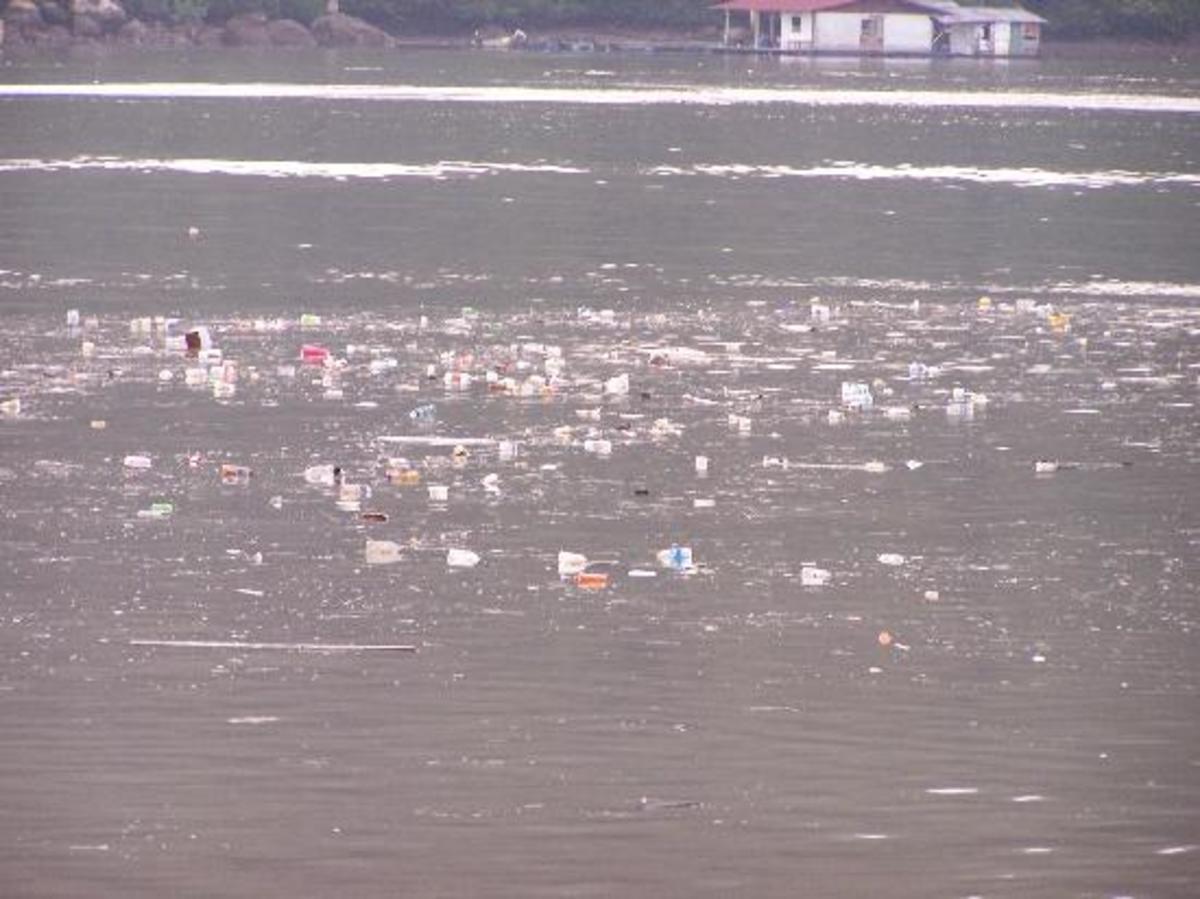 Σκουπίδια μέσω του ποταμού Αξιού από τα Σκόπια στην Ελλάδα | Newsit.gr