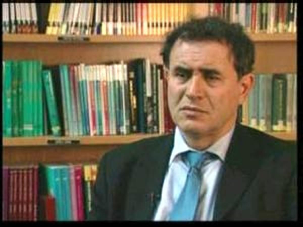 Επιμένει ο Ρουμπινί: Η κρίση δεν έχει τελειώσει   Newsit.gr