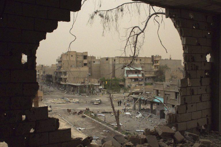 Guardian: Αυτές είναι οι 13 κρίσεις που οδηγούν την ανθρωπότητα στην εξαθλίωση!