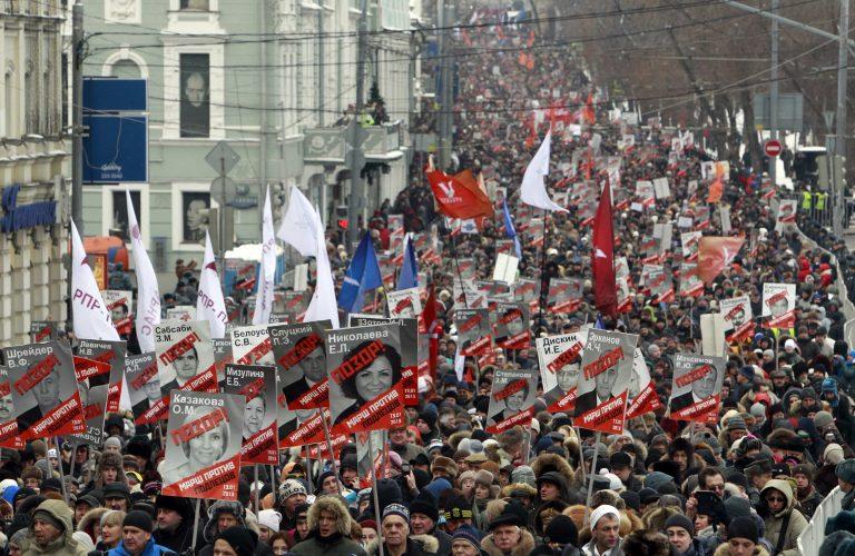 Πάνω από 20 χιλιάδες Ρώσοι βγήκαν στους δρόμους | Newsit.gr