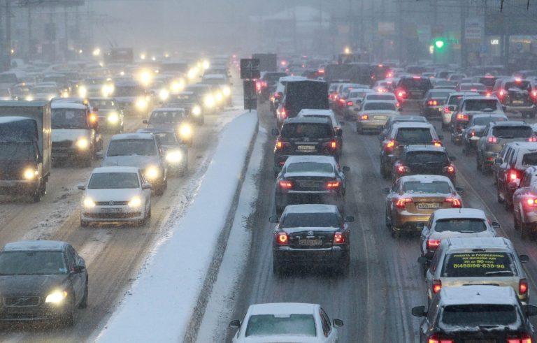 Έσπασαν κάθε ρεκόρ! Μποτιλιάρισμα 190 χλμ λόγω χιονιού! (VIDEO) | Newsit.gr