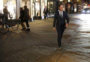 Εκλογές Ολλανδία: Ρούτε: Φτάνει πια με τον λαϊκισμό – Βίλντερς: Δεν τελειώσαμε ακόμα