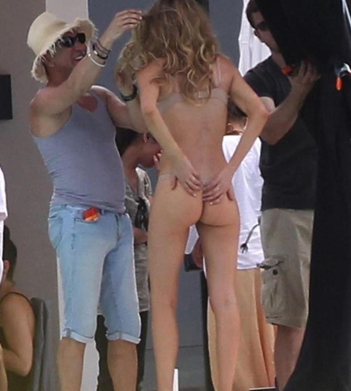 Η Doutzen Kroes μας δείχνει την πίσω όψη της!   Newsit.gr