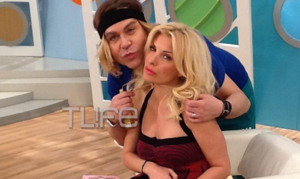 Ο Τρύφωνας Σαμαράς ποζάρει με την Ελένη Μενεγάκη! | Newsit.gr