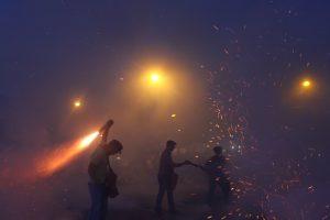 Πάσχα στην Καλαμάτα: Ο σαϊτοπόλεμος