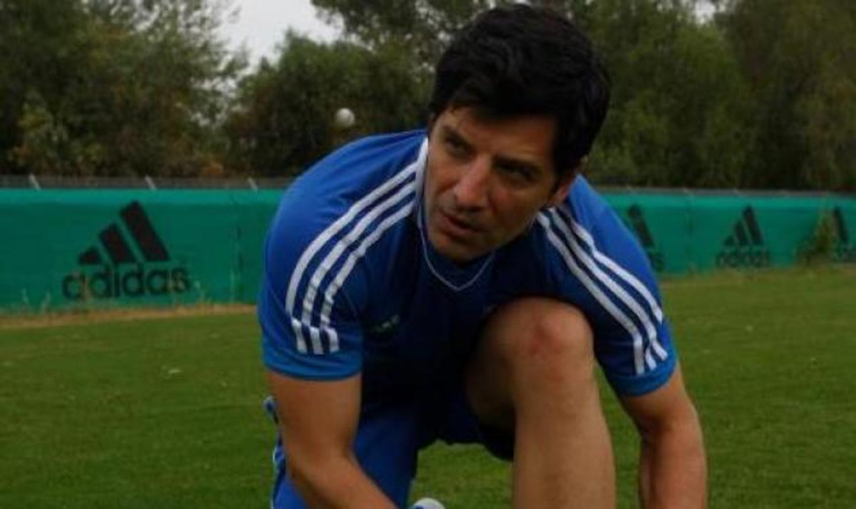 Ο Σάκης Ρουβάς παίζει ποδόσφαιρο με την Εθνική Ελλάδος! Βίντεο   Newsit.gr