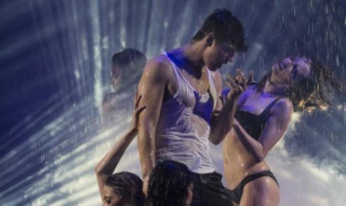 Σ. Ρουβάς: Το νέο τραγούδι και το αισθησιακό  show στο Diogenis! Φωτογραφίες | Newsit.gr