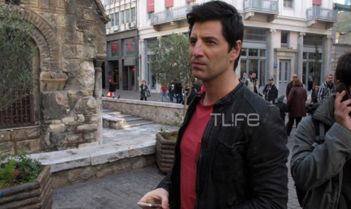 Τι έκανε ο Σάκης Ρουβάς στο κέντρο της Αθήνας; Φωτογραφίες   Newsit.gr