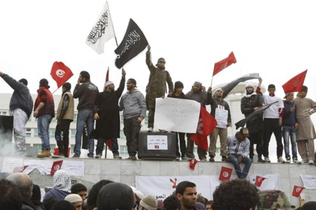 Ακροδεξιοί εναντίον σαλαφιστών | Newsit.gr