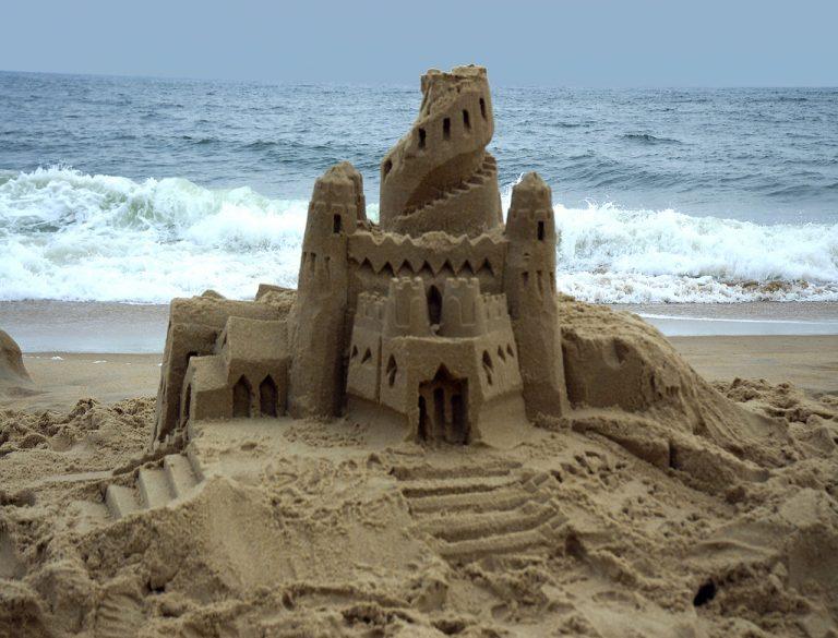 Το μυστικό του τέλειου κάστρου στην άμμο! | Newsit.gr