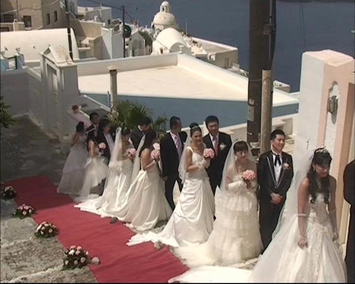 Σαντορίνη: Έρχονται από την Κίνα και στέκονται στην ουρά για να παντρευτούν – Δείτε φωτό και βίντεο!   Newsit.gr