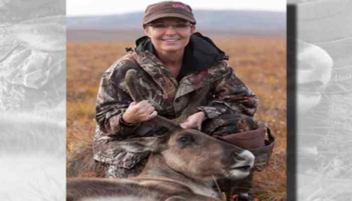 Η Σάρα Πέιλιν σκοτώνει ζώα μπροστά στην κάμερα!   Newsit.gr