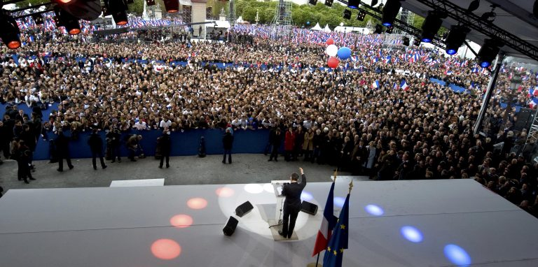Σαρκοζί: Δεσμεύτηκε να ανοίξει συζήτηση για το ρόλο της ΕΚΤ στην ανάπτηξη   Newsit.gr