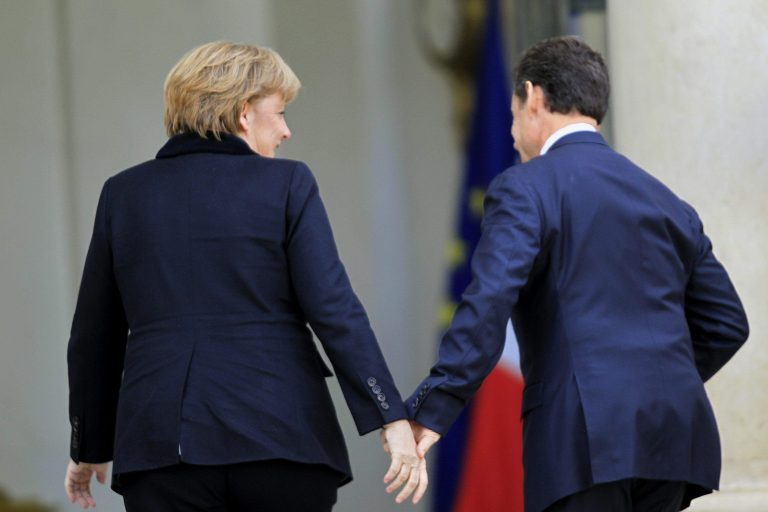 Η Μέρκελ ανησυχεί για τα ποσοστά της Λε Πεν! | Newsit.gr