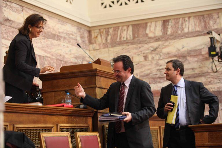 Άγριος καυγάς Βάσως Παπανδρέου και Φίλιππου Σαχινίδη | Newsit.gr