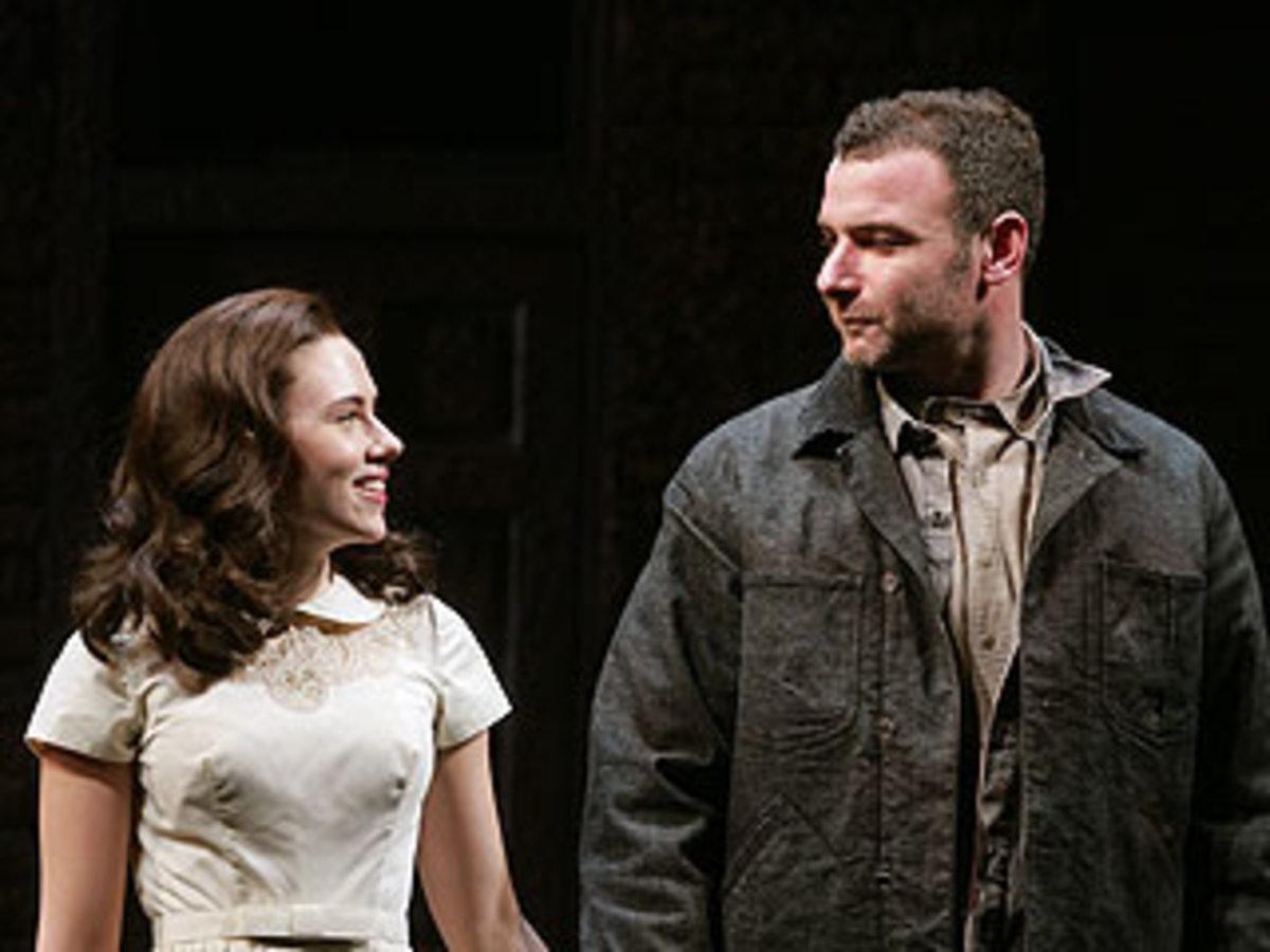 Η Johansson στο Broadway και η απουσία του συζύγου της! | Newsit.gr