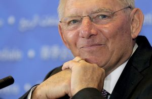 «Nein» του Σόιμπλε στην πρόταση του ESM για το ελληνικό χρέος! «Δεν συζητάει τίποτα πριν το 2018» λέει το Spiegel!