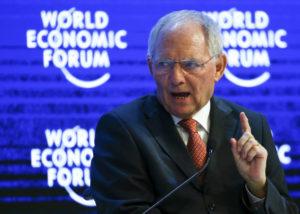 Ο Σόιμπλε ξαναχτυπά: Δεν θα κάνουμε δεκτή καμία μείωση χρέους