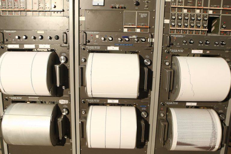 Πάτρα: Διέρρηξαν το εργαστήριο σεισμολογίας | Newsit.gr