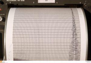 Σεισμός: «Μένουμε ήσυχοι και παρακολουθούμε» [audio]