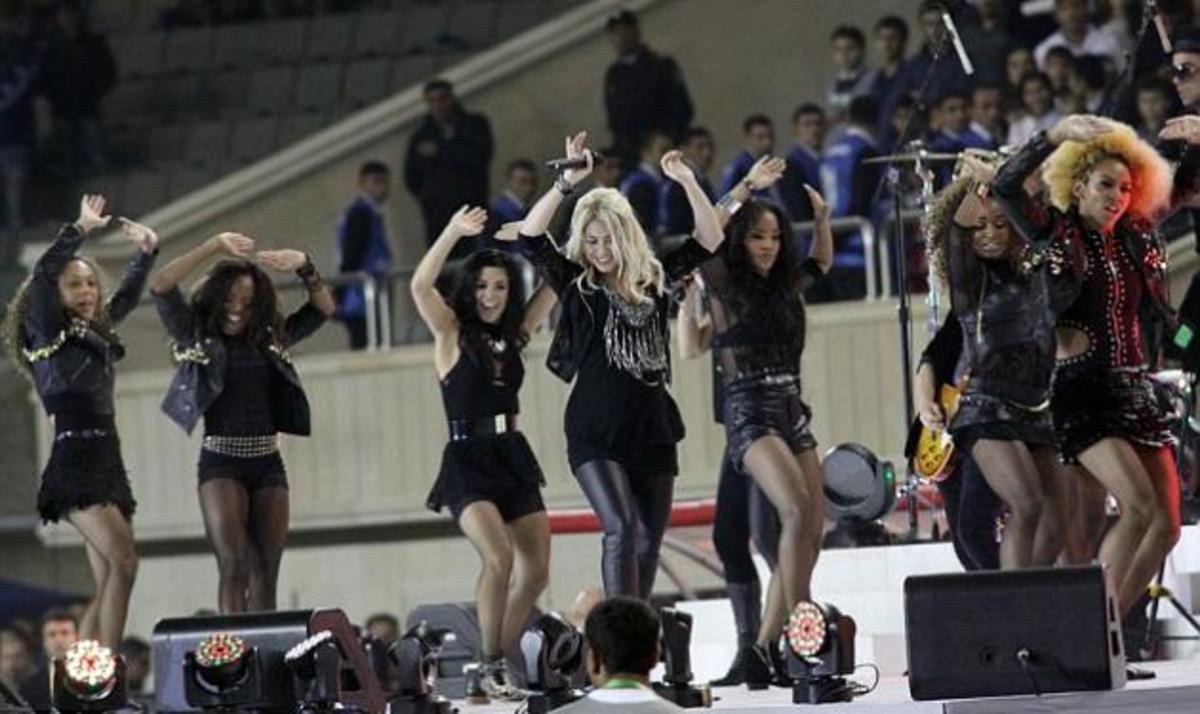 Shakira: Η πρώτη εμφάνιση στη σκηνή με φουσκωμένη κοιλίτσα! | Newsit.gr
