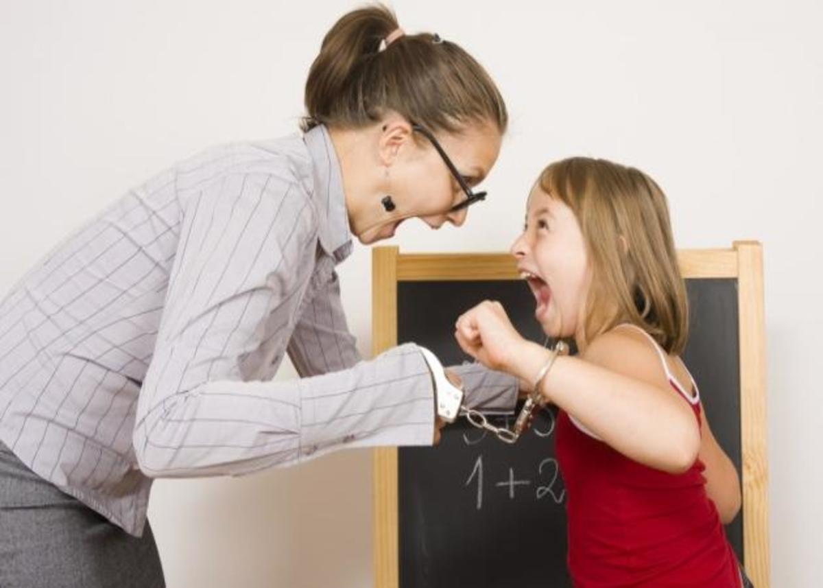 «Δε θέλω τη δασκάλα»! Πώς θα το αντιμετωπίσεις! | Newsit.gr