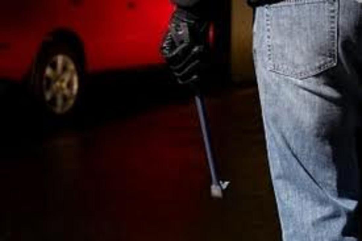 Πάτρα: Τον χτύπησε μέσα στο μπαρ με σιδηρολοστό! | Newsit.gr