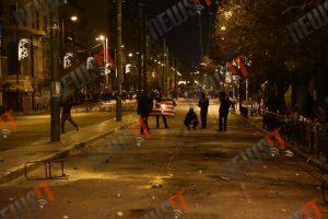 21χρονος Έλληνας έκαψε τη σημαία στο Πολυτεχνείο – Συνελήφθη