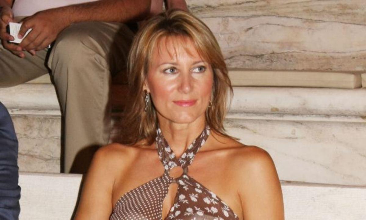 Ν. Καραμανλή: Ολοκλήρωσε την ειδικότητά της κι έφυγε για Άλπεις με την οικογένειά της! | Newsit.gr