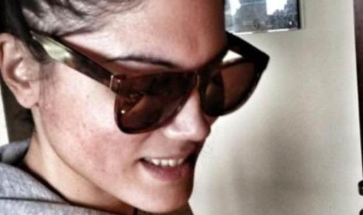 Μ. Συνατσάκη: Γιατί μαγειρεύει φορώντας τα γυαλιά ηλίου! Φωτογραφίες | Newsit.gr