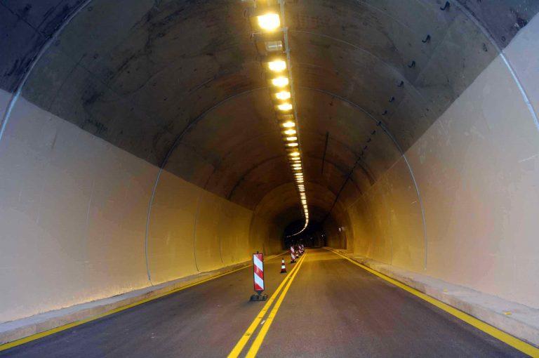 Τρίκαλα: Ανάβουν… τα φώτα για τους οδηγούς!   Newsit.gr