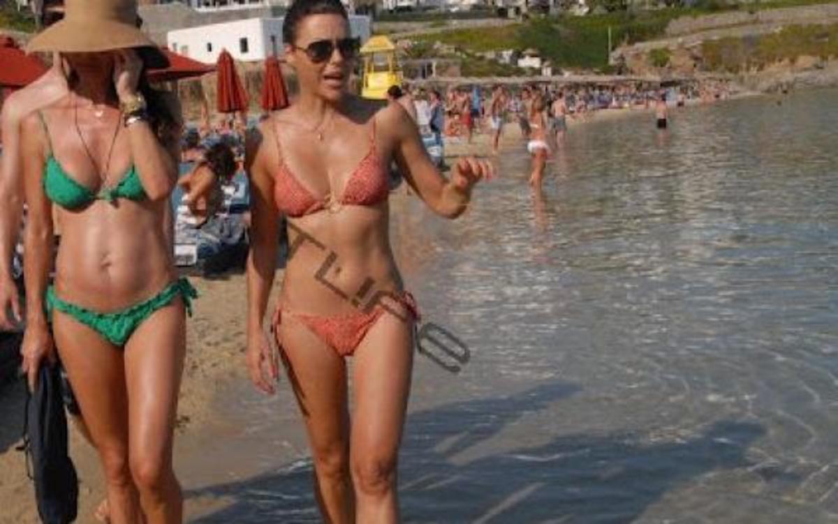 Σ. Φειδά: Σέξι εμφάνιση στη Μύκονο μαζί με τον σύντροφό της!   Newsit.gr