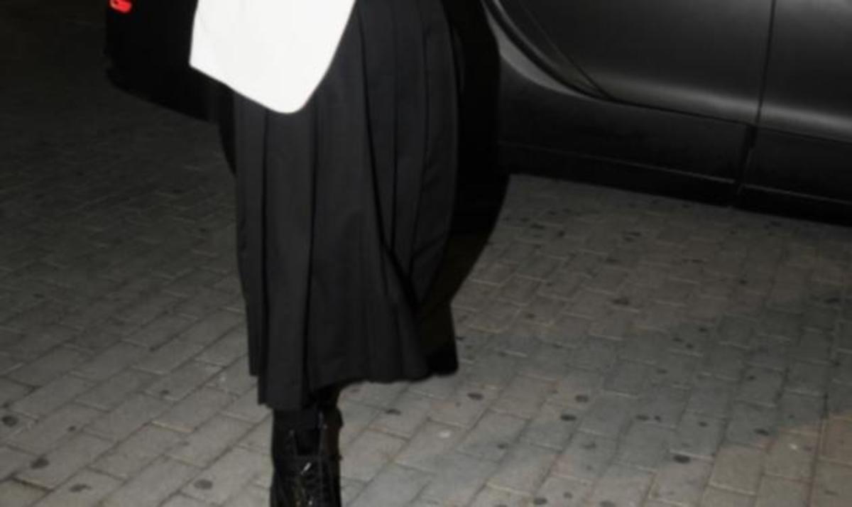 Λύθηκε το μυστήριο της μάρκας της φούστας του Cisse!   Newsit.gr