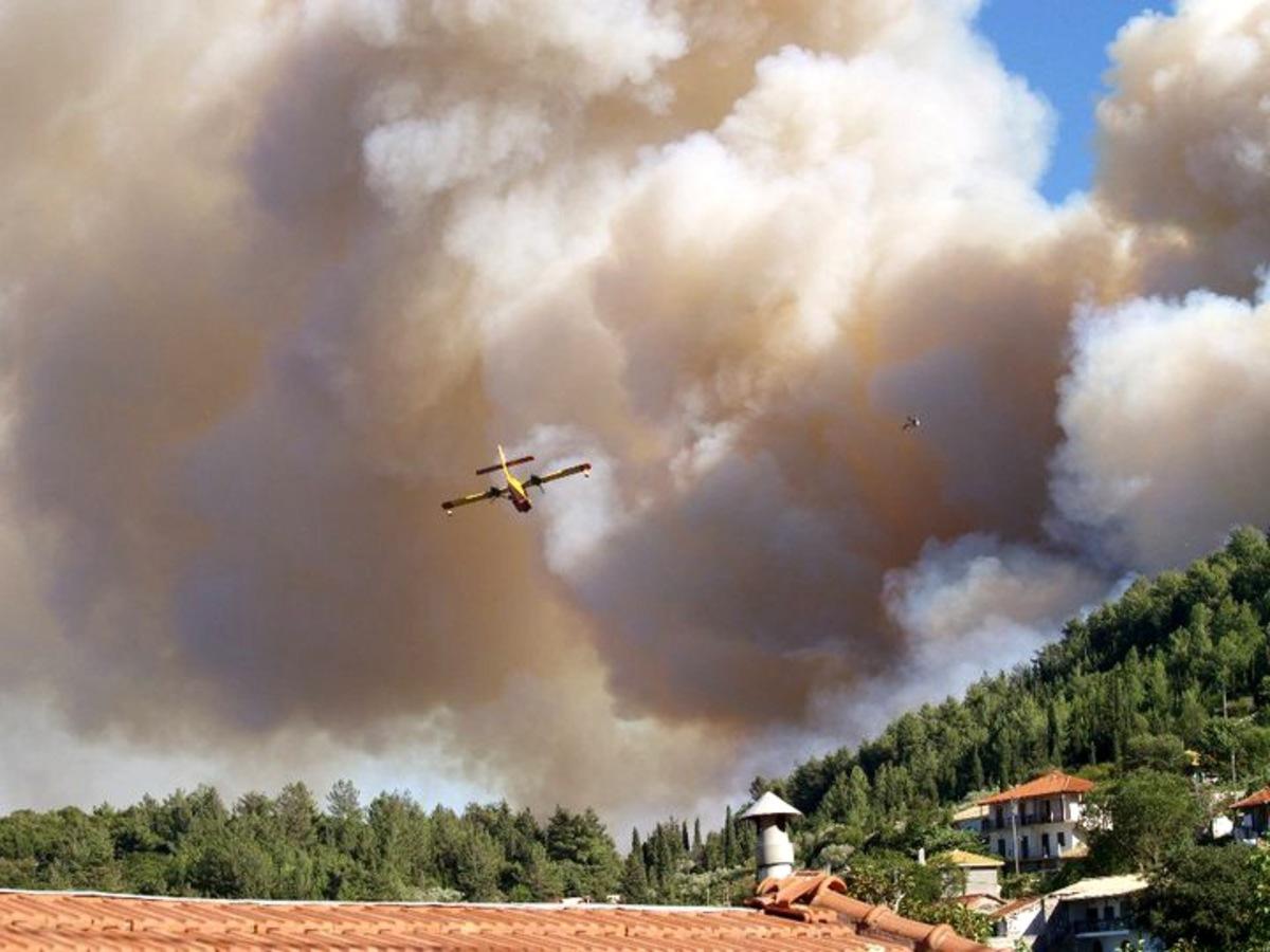 Υπό έλεγχο δύο πυρκαγιές στη Σιθωνία | Newsit.gr