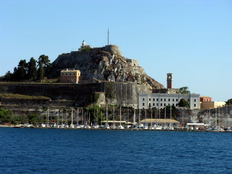 Αντί για φόρο πολυτελείας για τα σκάφη έρχεται το τέλος πλεύσης και παραμονής | Newsit.gr