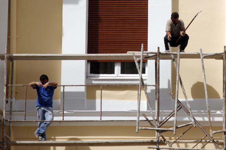 Αγρίνιο: «Βουτιά» στο κενό από τη σκαλωσιά! | Newsit.gr