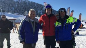 Στα Καλάβρυτα για σκι ο αμερικανός Πρέσβης [pic]